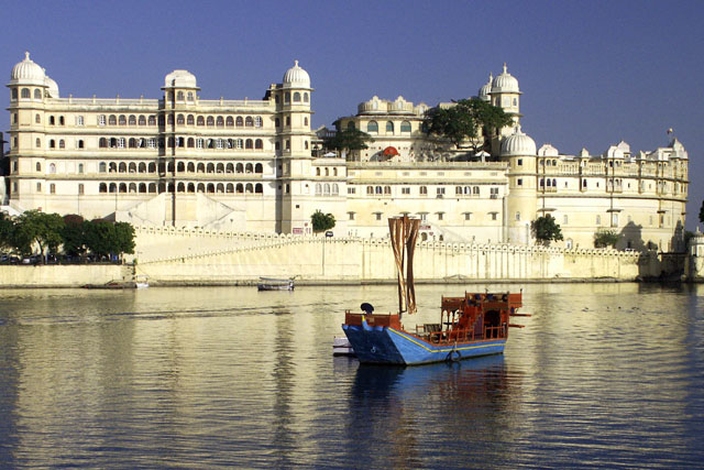 Udaipur MountAbu Car Rental